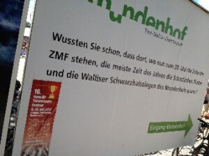 Festival-Plakat auf ZMF-Plakat